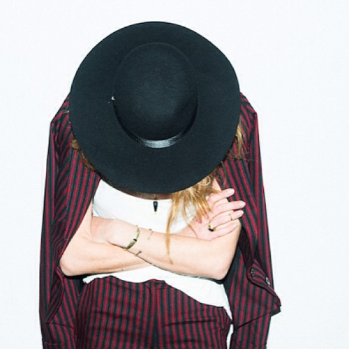wide brim hat-5